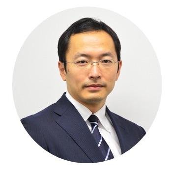 スタディング弁理士講座の伊藤隆治先生(男性)顔写真