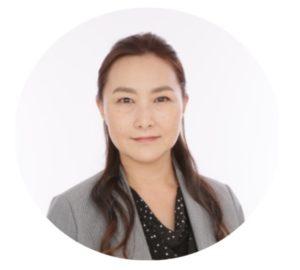 スタディング公務員講座の井島由佳講師(女性)顔写真