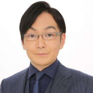スタディング公務員講座の永田英晃講師(男性)顔写真